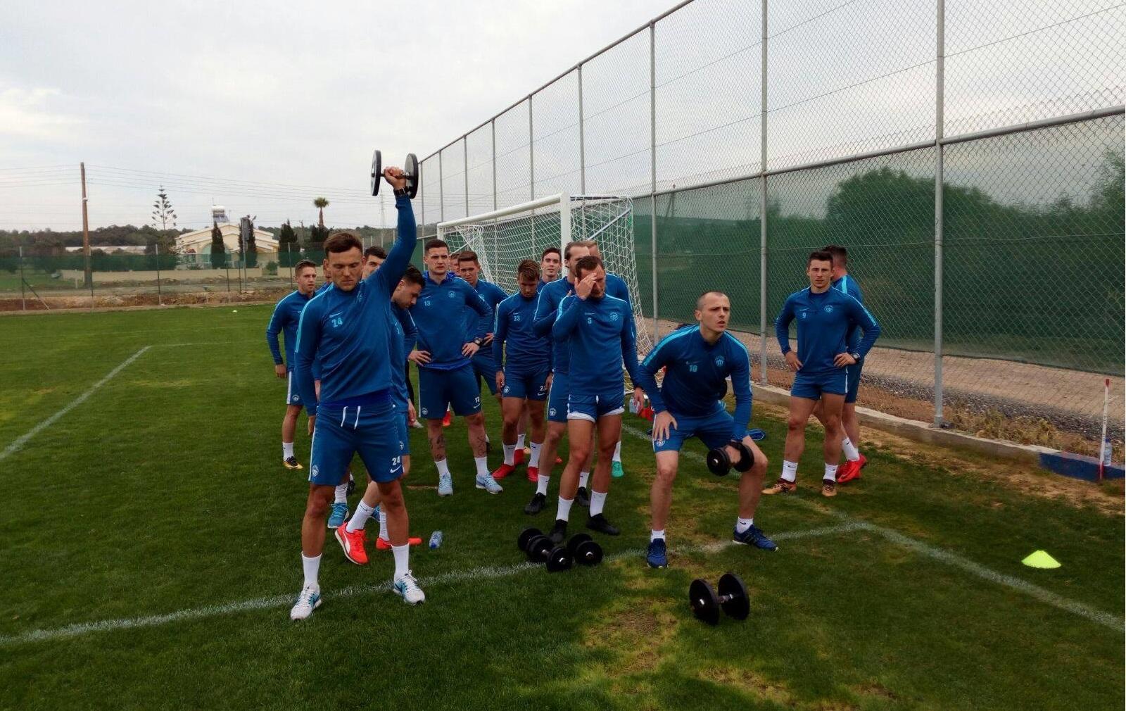 Das Team ist aus Zypern zurückgekehrt und wird nun weiterhin in Liberec trainieren